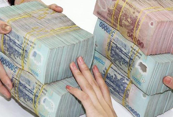 Ngân hàng đua khuyến mại 'hút' tiền gửi có đáng ngại? - 1