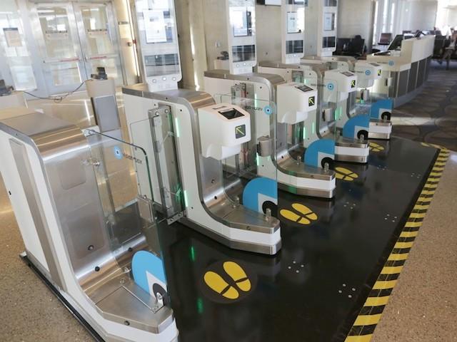 Tương lai không xa, Face ID sẽ là vé lên máy bay của bạn