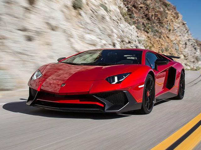 Vì sao Lamborghini không dùng động cơ tăng áp?
