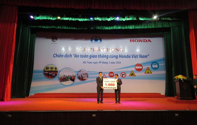 Honda VN tích cực đẩy mạnh các hoạt động an toàn giao thông - 1