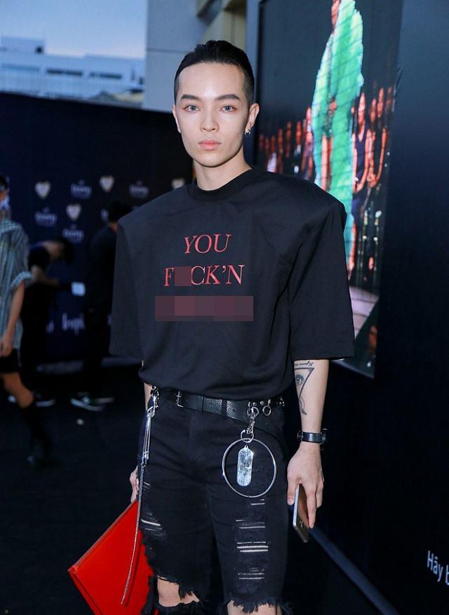 Nhiều bạn trẻ Việt khiến người xung quanh giật mình vì áo in chữ thô tục - 4