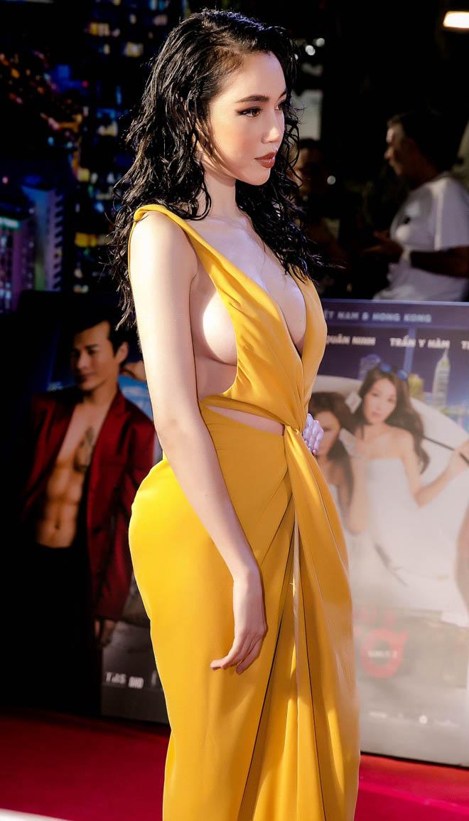 Váy hở bạo của Elly Trần vì sao gây phản cảm? - 1