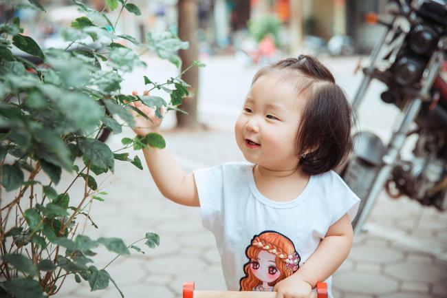 Bà xã Tuấn Hưng lần đầu khoe trọn bộ ảnh đời thường cực đáng yêu của con gái - 1