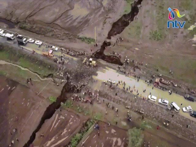 Video: Đất nứt một vết khổng lồ chưa từng có chia đôi lục địa châu Phi