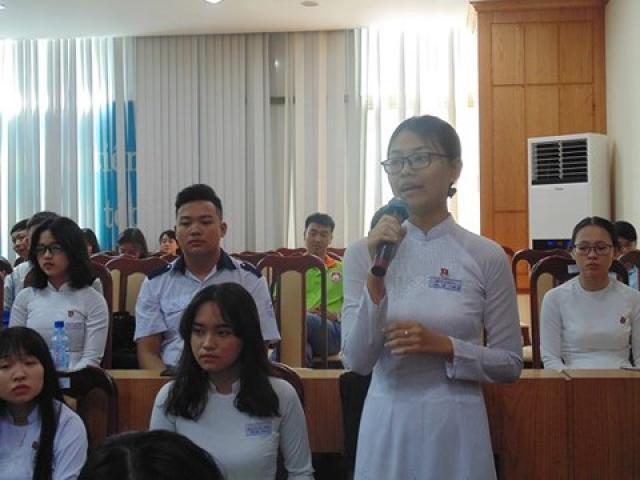 Đối thoại với Sở GD&ĐT TP.HCM, học sinh bật khóc vì ấm ức