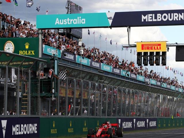"""Đua xe F1: """"Ngựa chiến"""" quần thảo, đàn em tiếp bước huyền thoại Schumacher"""