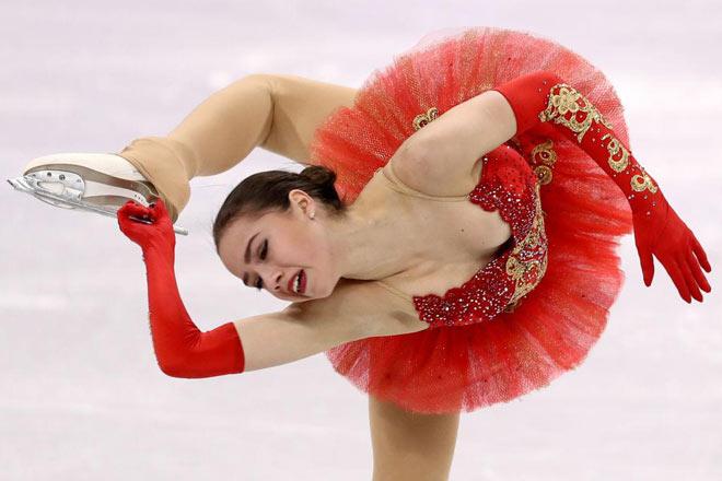 """Thể thao """"đỏ mặt"""" nhất: Nữ thần 15 tuổi 3 lần """"vồ ếch"""", mỹ nhân giật HCV - 1"""