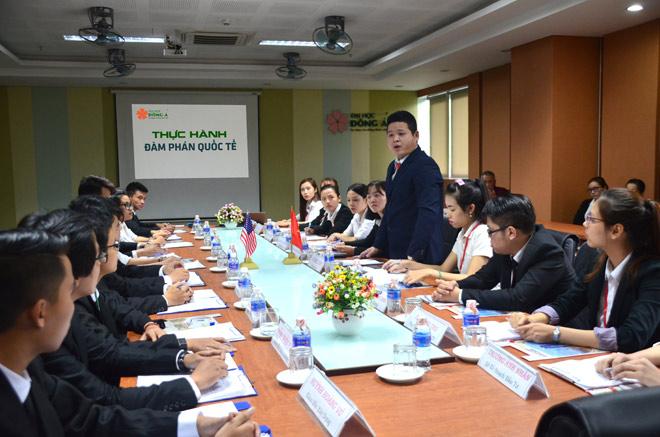SV ĐH Đông Á: Làm việc chuyên nghiệp cùng ưu thế kỹ năng hội nhập - 1