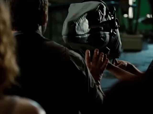 Hài hước những cảnh phim bom tấn Hollywood khi chưa có... kỹ xảo