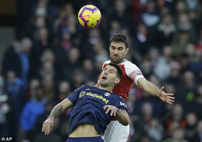 """Arsenal - Fulham: """"Đại tiệc"""" 5 bàn đón năm mới - 1"""