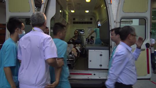 Vụ nổ bom ở Ai Cập: 2 mẹ con du khách về đến Việt Nam vẫn còn hoảng loạn - 1