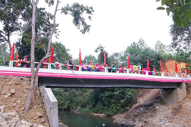 Lễ khánh thành cây cầu dân sinh mang ý nghĩa lịch sử - 1