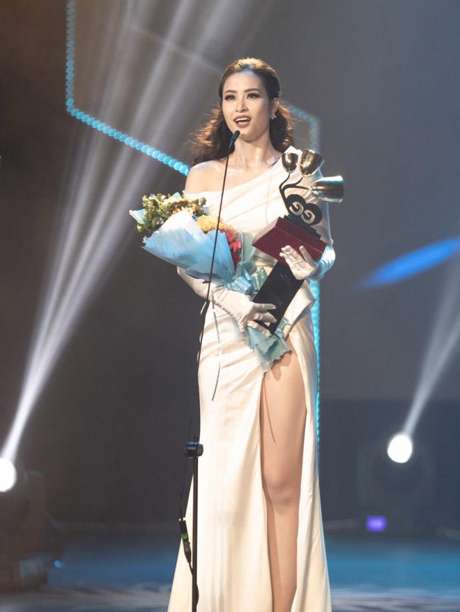 Đông Nhi vượt mặt Sơn Tùng M-TP giành giải Ca sĩ của năm - 1