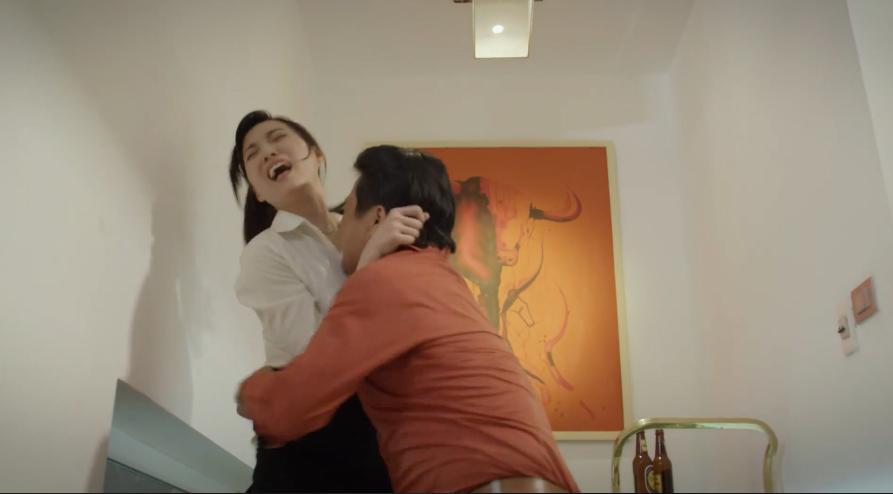 Phim Việt dày đặc cảnh nóng gây sốc trên truyền hình khiến khán giả phản ứng - 1