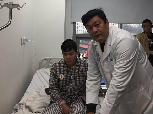 Bệnh viện Trung ương quân đội 108: Lần đầu tiên nối mạch máu vi phẫu không cần kim chỉ - 1