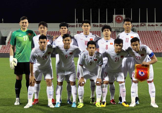 Tin nóng ĐT Việt Nam tới UAE đá Asian Cup: HLV Park Hang Seo nhận quà bất ngờ - 1