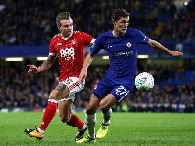 Trực tiếp Chelsea - Nottingham Forest: Fabregas sút hỏng phạt đền