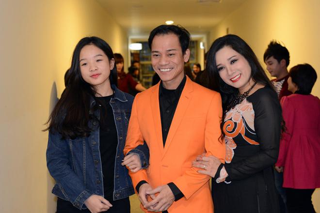Con trai Chế Linh dành nhiều tình cảm cho con riêng của bà xã Thanh Thanh Hiền - 1