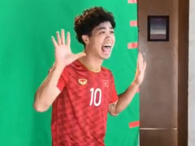"""ĐTVN diện áo mới Asian Cup: Công Phượng, Quang Hải """"diễn sâu"""" như người mẫu"""