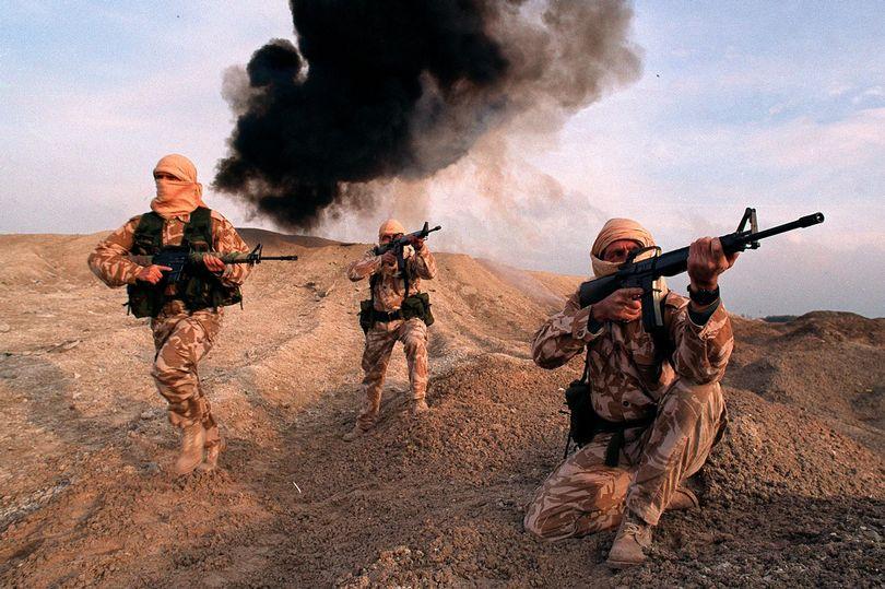 Hai đặc nhiệm Anh trúng tên lửa khủng bố IS ở Syria - 1