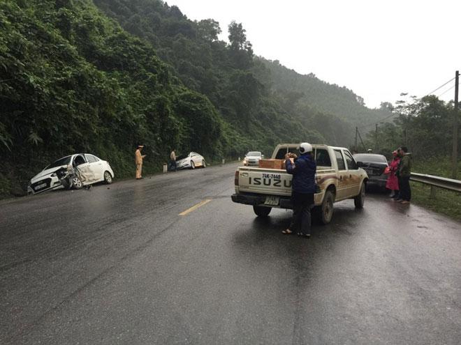 4 ô tô đâm liên hoàn trên quốc lộ, nhiều người bị thương - 1
