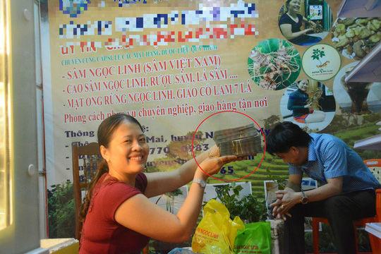 Hơn 100 triệu đồng/kg, sâm Ngọc Linh vẫn bán đắt như tôm tươi - 1