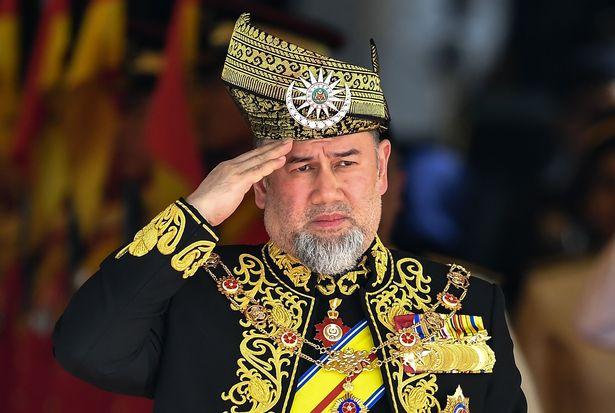 Quốc vương Malaysia cưới cựu hoa hậu Nga trẻ đẹp thoái vị - 1