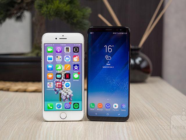 Nên mua iPhone 8 hay Galaxy S8 cũ khi chênh 4 triệu đồng?