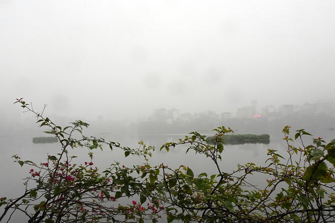 Hanoi is faded in thick fog on the first day of the week - 1