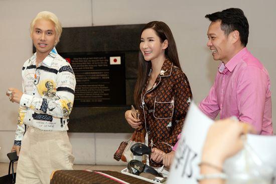 Nữ đại gia nhiều túi Hermes nhất thế giới đến Việt Nam - 1