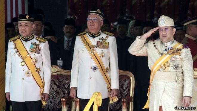 Hoàng gia Malaysia giàu có, quyền lực mức nào? - 1