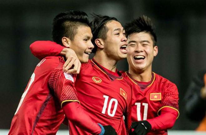 Quang Hải đấu Anh Đức ở V-League: Sử dụng công nghệ VAR ở World Cup - 1