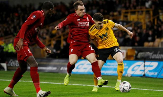Wolverhampton - Liverpool: Rượt đuổi 4 phút & cú nã pháo định đoạt - 1