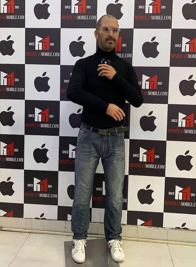 Tượng sáp huyền thoại Steve Jobs bất ngờ xuất hiện tại Việt Nam - 1