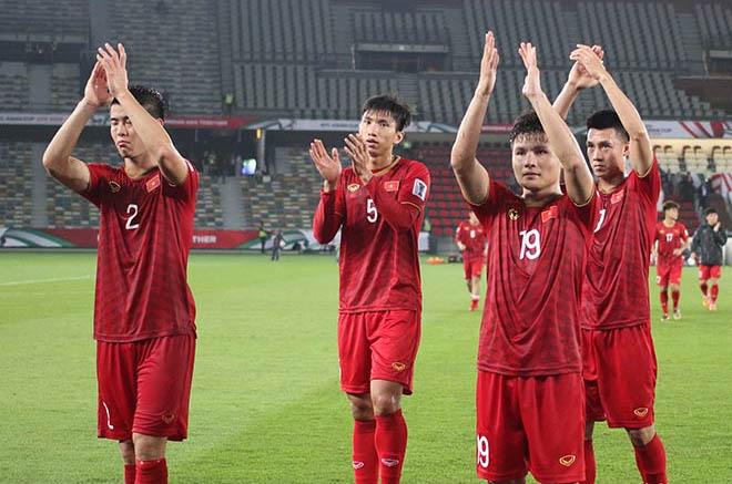 Hoàng Bách, Phan Mạnh Quỳnh bênh vực tuyển VN sau trận thua Iraq - 1