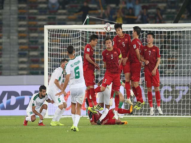 """Việt Nam mơ quật ngã """"khổng lồ"""" Iran: Cú nhảy vọt trên BXH FIFA"""