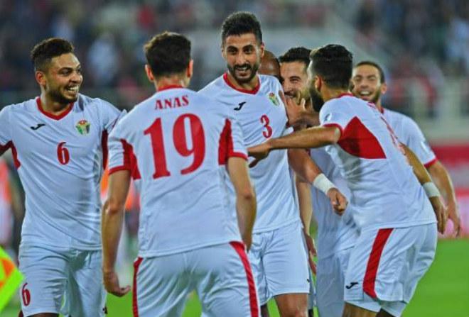 """Asian Cup, Jordan - Syria: Cú đánh đầu """"sấm sét"""" mở toang tấm vé vàng - 1"""