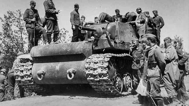 """1 xe tăng đấu 5.000 quân: Phát xít Đức """"ngả mũ"""" thán phục người lính Liên Xô - 1"""