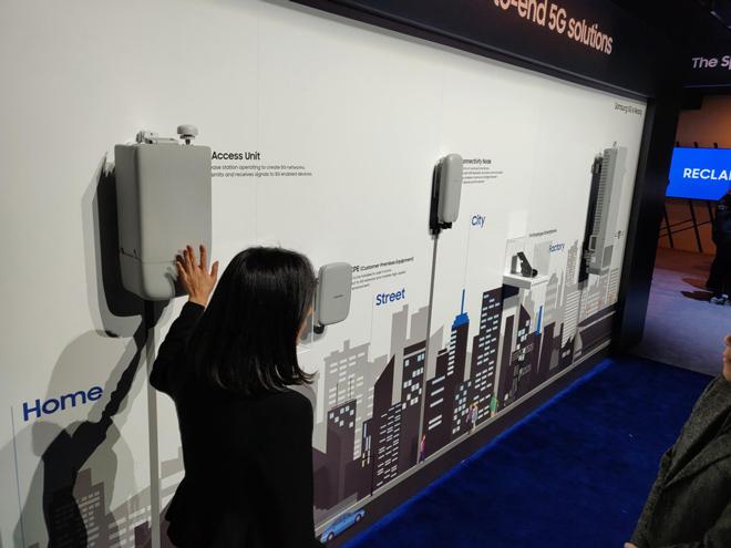 Smartphone 5G của Samsung bị ngó lơ tại CES 2019 - 1