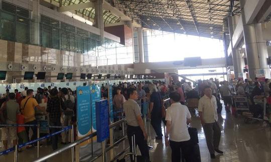 Hạn chế người đưa tiễn tại sân bay Nội Bài - 1