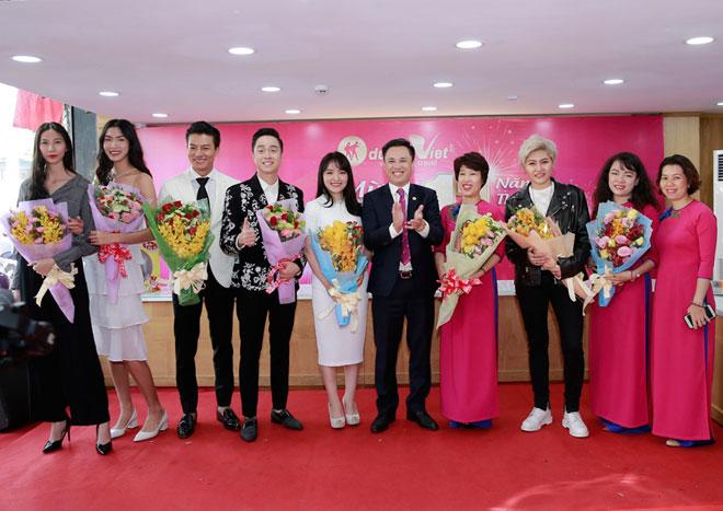 Người mẫu Cao Ngân trúng tour 11,000đ tại Du Lịch Việt - 1