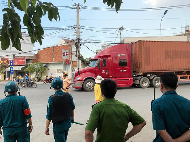 """Tài xế xe container """"phê"""" 3 loại ma túy vẫn ôm vô lăng phóng trên phố Sài Gòn - 1"""