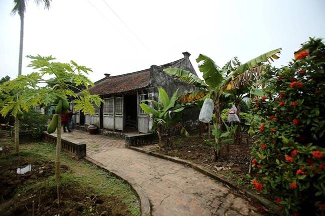 """Cận cảnh ngôi nhà Bá Kiến hơn 100 năm tuổi ở """"làng Vũ Đại"""" - 1"""