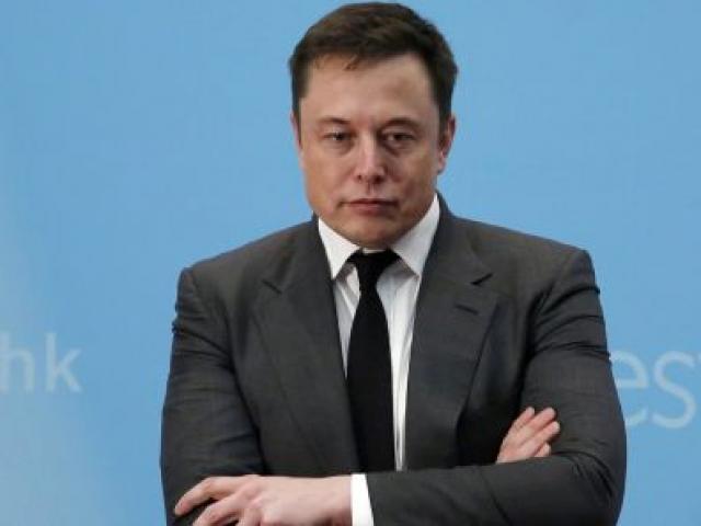 Tỷ phú Elon Musk bất ngờ sa thải hàng trăm nhân viên tại SpaceX