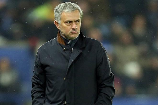 """Mourinho cả sự nghiệp bị """"đâm sau lưng"""": Bi kịch của kẻ đóng vai phản diện - 1"""