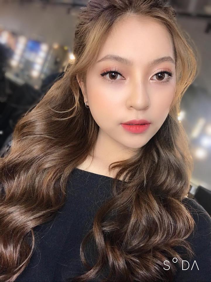 Bạn gái Quang Hải xinh như búp bê Tây với tóc vàng rực - 1