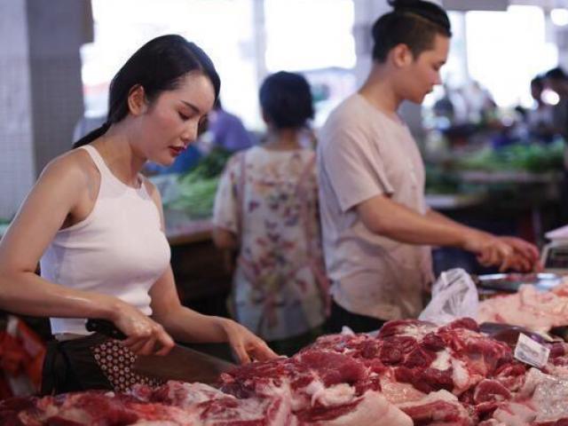 9X xinh đẹp tốt nghiệp đại học đi bán thịt lợn mà mua được nhà lầu xe hơi