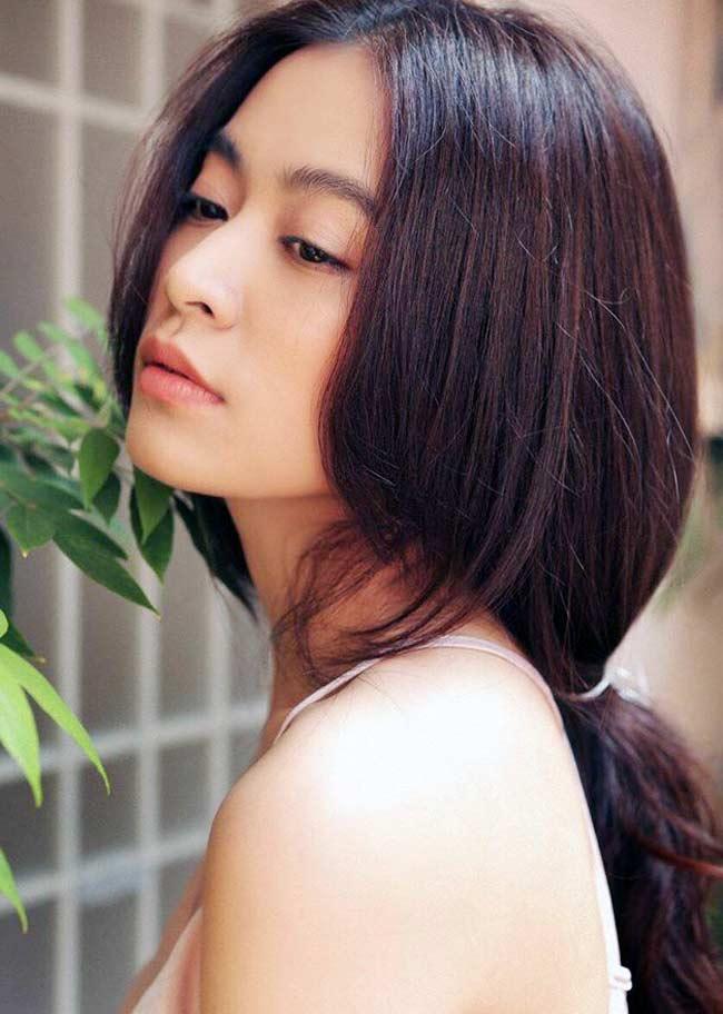 Trong số các mỹ nhân Việt, Hoàng Thùy Linh được đánh giá có vẻ đẹp rạng ngời, không tỳ vết.