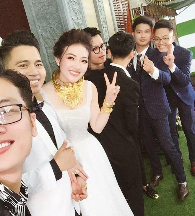 Nhan sắc nóng bỏng của cô dâu 200 cây vàng ở Nam Định - 1