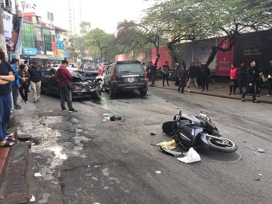 Công an làm việc với tài xế xe Ford để xác định nguyên nhân vụ tai nạn kinh hoàng - 1